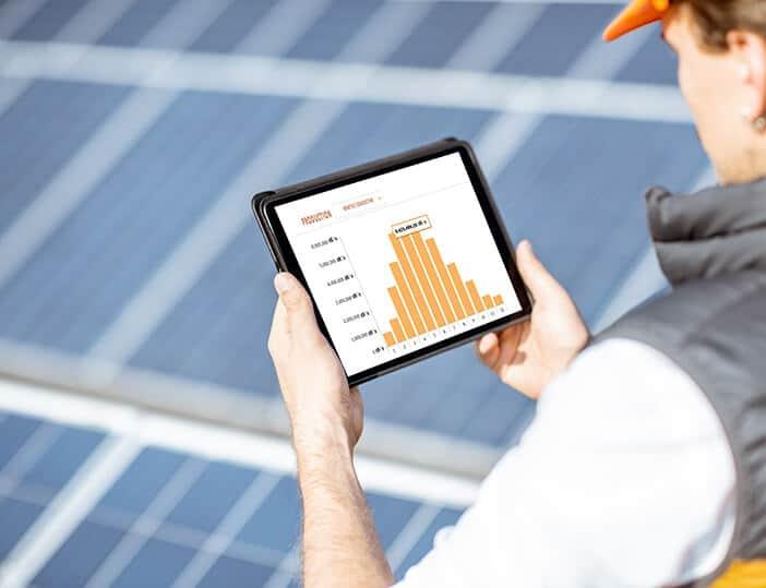 Voordelen van zonnepanelen laten schoonmaken door een bedrijf
